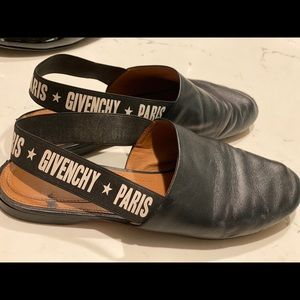 Givenchy leather slippers/ flat shoes